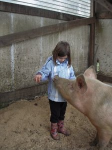 rylee-and-pig